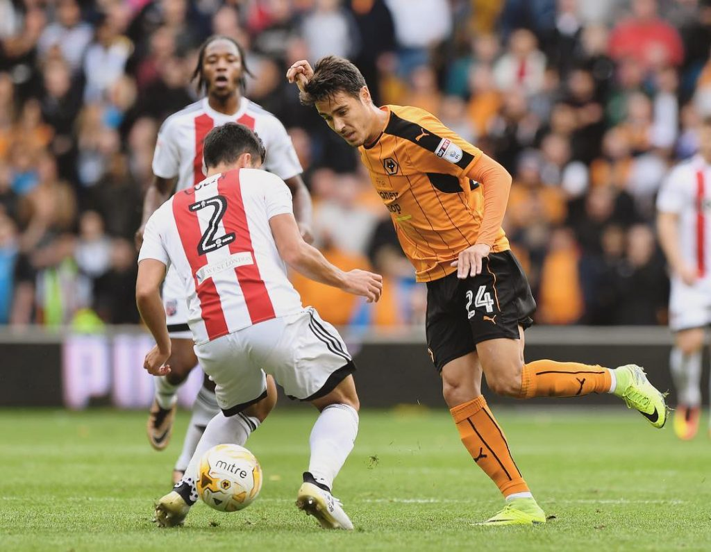Its 00 at the break between Wolves and brentfordfc Thehellip